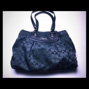 Coach black bag  F29244